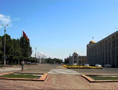 Площадь Ала-Тоо
