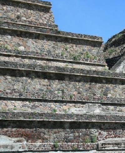 Пирамида Пернатого змея