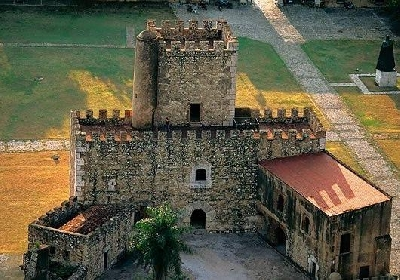 Крепость Осама и башня Торре-дель-Оменахе