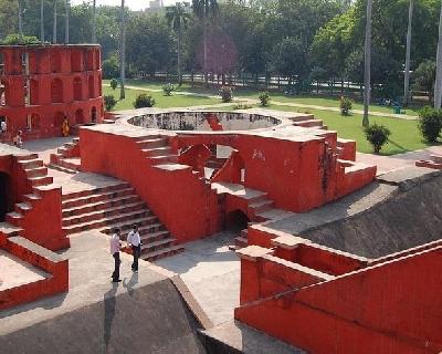 Древняя обсерватория Джантар-Мантар