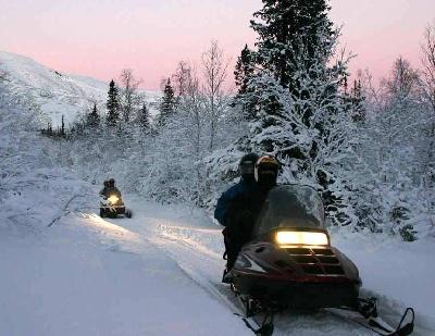 Прогулка на снегоходах